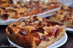 prajitura-simpla-cu-prune No Cook Desserts, Sweets Recipes, Cookie Recipes, Romanian Desserts, Plum Cake, Healthy Sweets, Dessert Bars, Coco, Banana Bread
