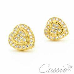 Pensando em um presente especial para aquela pessoa amada?!  Na Cassie você encontra bolsas lindas e semijoias folheadas a ouro com garantia de 6 meses*.  São peças detalhadas em zircônias, cristais... Modelos que estão em alta nessa temporada.  Confira!!!  www.cassie.com.br  #Cassie #semijoias #acessórios #instafashion #moda #fashion #trends #tendências #estilo #Happy #good #pulseirismo #instafashion #inlove #brincosgrandes #leque #zircônias #brincoleque #ficaadica #linda #fiquelinda…