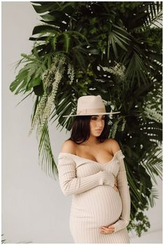 Cute Maternity Outfits, Stylish Maternity, Pregnancy Outfits, Maternity Pictures, Maternity Wear, Pregnancy Photos, Maternity Fashion, Pregnancy Fashion, Studio Maternity Photos