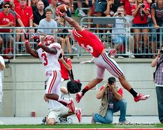 This incredible shot by Dan Harker of TheOzone.net perfectly frames the unbelieveable catch by Ohio State's Devin Smith. Photo Gallery: http://photo.the-ozone.net/