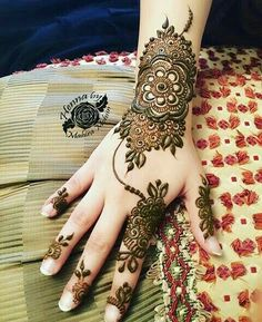 Beautiful Henna Decoration