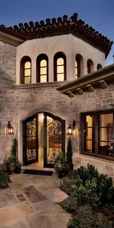 Lovely awesome Old World, Mediterranean, Italian, Spanish & Tuscan Home..Love the courtyard iron gates <3