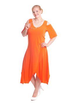 Dieses und noch viele weitere Plus Size Mode Designs finden Sie jetzt auf www.designforyou.at/shop Big Size Fashion, Designs, Austria, Art Pieces, Cold Shoulder Dress, Plus Size, How To Make, Dresses, Fashion Plus Sizes