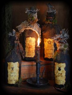 Primitive Witches Spell Bottles http://www.thepatterncupboard.com/shop/halloween-patterns/primitive-witch-39-s-spell-bottles/prod_5120.html