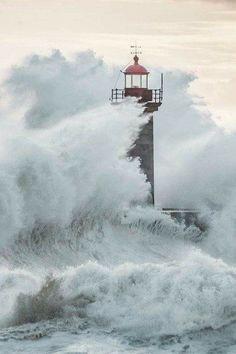 Felgueiras Lighthouse in Foz do Douro, Porto,Portugal by Macro Nuno… Lighthouse Storm, Lighthouse Pictures, Cool Pictures, Cool Photos, Stormy Sea, Beacon Of Light, Crashing Waves, Am Meer, Sea And Ocean