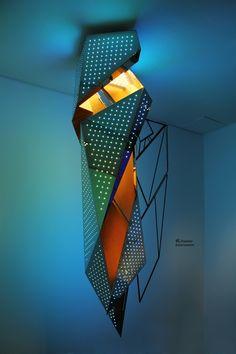 Chandeliers in the future? Daniel Libeskind - 'eL chandelier for sawaya & moroni' Daniel Libeskind, Luminaire Design, Lamp Design, Lighting Design, Design Table, Modern Architects, Zaha Hadid Architects, Light Art, Light Bulb