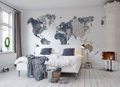 Wall mural wereldkaart Your Own World, Battered Wall bij LIVING-shop webshop