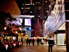 Turning shopping centers into destinations using experience lighting   #experiencelighting #festivelighting #shoppingcenters #mkillumination #kissingtree #shanghai