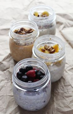 Overnight oats are the best way to enjoy breakfast especially on the go. Here a list of our top 17 overnight oats recipes! Which is your favorite? Healthy Snacks, Healthy Eating, Healthy Recipes, Clean Eating, What's For Breakfast, Breakfast Recipes, Camping Breakfast, Oats Recipes, Cooking Recipes