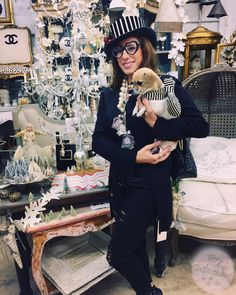 Wearing my fun filled bottle #NeckLaces with my little Dolly! 🌟💫 #bottles #NeckLaces #vintage #blackandwhite #blackandwhitestripes #statementjewelry #kawaii #sandiego #pacificbeach #missionbeach #lajolla #chihuahua #ratterrier #pearls #bows #heartglasses #tophats #oddity