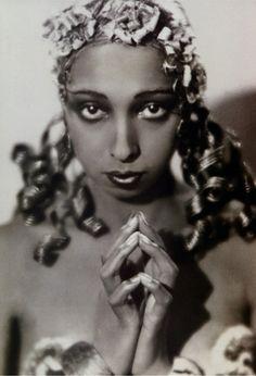 TRV Blog 3/2/12: Come, my Josephine...http://theyroaredvintage.com/come-my-josephine