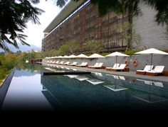 Swimming Pool at 5 star hotel: The Lalu Hotel. This hotel's address is: Zhongxing Rd. Sun Moon Lake Nantou 555 and have 96 rooms Hotel No Lago, Lake Hotel, Rooftop Pool, Outdoor Pool, Sun Moon Lake Taiwan, Kerry Hill Architects, Hills Resort, Villa Design, Architectural Features