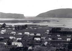 Early picture of Knysna town as well as Thesen Island - Garden Route - South Africa. Knysna, Historical Pictures, Afrikaans, African History, Historical Society, Cape Town, Old Photos, South Africa, Paris Skyline