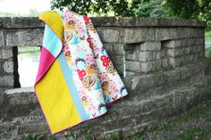 Noodlehead: the inside scoop - my quilt - Simple to make panel quilt tutorial.