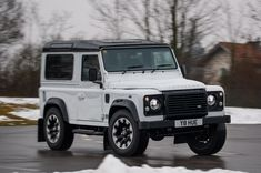 With a revived and impressive stable already in place, the new Defender will need to have some wow factor if it's going to be successful. Landrover Defender, Defender 90, Quick Travel, Suv Models, Land Rover Discovery Sport, Cars Land, Toyota Prius, Future Car, Dream Cars
