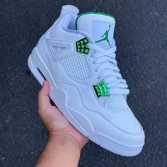 Tenis Jordan Retro, Zapatillas Nike Jordan, Jordan Retro 3, Cute Nike Shoes, Cute Nikes, Jordan Shoes Girls, Girls Shoes, Jordan 4, Sneakers Fashion