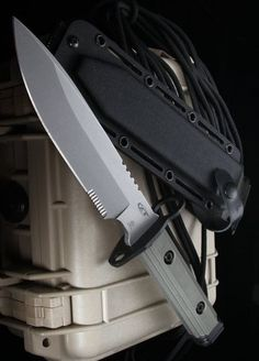 Zero Tolerance ZT-9 Bayonet S30V Tactical Fixed Blade Knife (Stonewash PLN)
