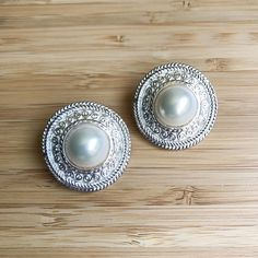 Vintage Pearl Disk Earrings / Liz Claiborne Pierced Earrings / Large Pearl Earrings / 80's Earrings / Vintage Jewelry / Silver Disk Earrings by MarlaHomanCollection on Etsy