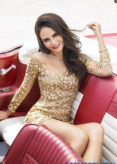 A Lorena Sarbu Resort 2015 look is featured in the cover spread of Cosmopolitan Latinas November 2014 issue on the gorgeous Jordana Brewster!