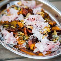 Geschmorter Kürbissalat mit Pecorino und Schinken. #rezepte #foodlover #foodporn #foodgawker #kürbis #Salat #pecorino #f52grams #buzzfeedfood #foodgawker #highfoodality #food #foodblogger #foodblogger_de #foodie