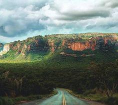 """14 curtidas, 1 comentários - Turismo pelo Brasil (@turismopelo_brasil) no Instagram: """"Liberte-se da mesmice, convide alguém especial e pegue a estrada!  Nossa dica? Chapada dos…"""""""