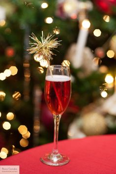 Holiday cocktail & sparkly swizzle stick- Christmas tinsel garland & wooden drink skewer! Great for Christmas or New Year.