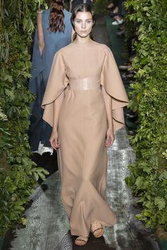 9fbc3e57932cf8 Le migliori 62 immagini su Valentino - Haute Couture Collection Fall ...