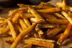 Health and easy gourmet chip seasoning perfect for homemade chips. Add some magic to your chips and share with loved ones. Seasoned French Fries Recipe, Chip Seasoning, Duck Fat Fries, Nacho Fries, Recipe D, Recipe Ideas, Homemade Chips, Homemade Recipe, Fast Food