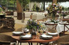 arranjo-de-centro-de-mesa-casamento-ao-ar-livre Foto Sergio Jorge