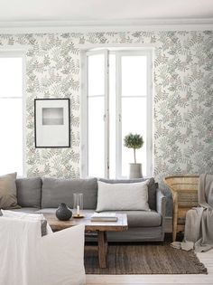 The wallpaper Sense - 1170 from Boråstapeter is a wallpaper with the dimensions x m. The wallpaper Sense - 1170 belongs to the popular wallpaper colle Vintage Floral Wallpapers, Classic Wallpaper, Tree Wallpaper, Scandinavian Design, Beautiful Homes, Outdoor Furniture Sets, Lounge, Living Room, Interior Design