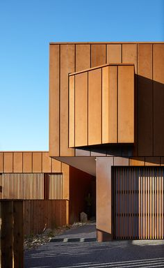 Noxon Giffen | Manning Road; photo by Peter Clarke Photography