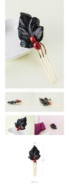 나스첸카 [[나스첸카] 나뭇잎 산책 _ 아게이트 뒤꽂이]       블랙의 아게이트 염색 죽산호 (착색이기때문에 시간 경과에 따른 색상 변화 있을 수 있습니다) * 제작시마다 원석의 조각과 색감은 조금씩 차이 있습니다만. 동일 등급 같은 디자인 입니다.  카리스마 있게 크게 포인트 잡아주는 강렬한 뒤꽂이  은 나스첸카 핸드메이드 셋팅 (골드 도금 마무리) 뒤꽂이 Gold Hair, Hair Jewelry, Hair Pins, Jade, Korean, Hair Accessories, Crystals, Chic, Bracelets