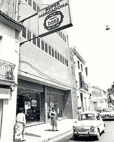 Primer Mercadona, en Tavernes Blanques. 1977 Gaudi, Valencia City, Alicante, Murcia, Madrid, Places To Visit, Street View, History, Cities