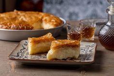 Δείτε τη συνταγή! Greek Sweets, Food Categories, Greek Recipes, Cornbread, Dairy, Cheese, Ethnic Recipes, Desserts, Millet Bread
