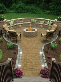 My dream is to have an outdoor fire pit with built in seating in my backyard. This one looks amazing! My dream is to have an outdoor fire pit with built in seating in my backyard. This one looks amazing! Fire Pit Backyard, Backyard Seating, Outdoor Seating, Backyard Pavers, Outdoor Pool, Cozy Backyard, Garden Seating, Backyard Layout, Garden Landscaping