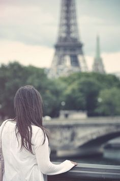 { Paris } I want a picture like this when I go:)