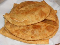 Suberek Romanian Food, Food And Drink, Meat, Cooking, Breakfast, Ethnic Recipes, Foods, Chicken, Embroidery