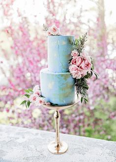 Looking for a nontraditional addition to your wedding cake? Look to these unique wedding cake stands for inspiration. Textured Wedding Cakes, Unique Wedding Cakes, Unique Cakes, Beautiful Wedding Cakes, Wedding Cake Designs, Beautiful Cakes, Amazing Cakes, Perfect Wedding, Wedding Decor