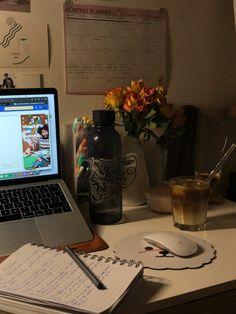Study Areas, Study Space, Study Desk, School Motivation, Study Motivation, Circle Quotes, Ideas For Instagram Photos, Study Inspiration, Studyblr