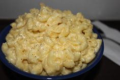 White Cheddar Crockpot Mac and Cheese - creamy, comforting goodness straight from your crock pot!