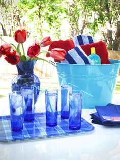 11 Simply Chic Fourth of July Entertaining Ideas : Decorating : Home & Garden Television
