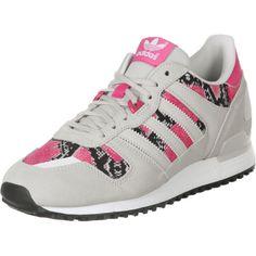 Mit dem ausgefallenen Sneaker Modell Zx 700 W von Adidas in grau pink schwarz garantiert man sich neidische Blicke und ein Paar Schuhe, das sicher nicht jede andere hat!