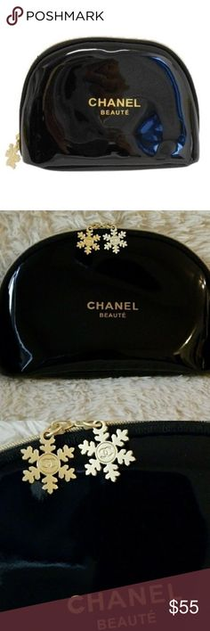 Chanel Beaute Snowflake Cosmetic Makeup Bag For the on-the-go unique fashionista, the Chanel Beaute Snowflake Cosmetic Makeup Bag is the ideal choice to keep your makeup, eyeliners and brushes in one stylish cosmetic bag.  Features snowflake pendant with Chanel Beauté signature in gold and crafted from black vinyl material, it can also be used as a clutch when going out! This Chanel Beaute Snowflake Cosmetic Makeup Bag make a great beauty accessory to store your favorite beauty items…