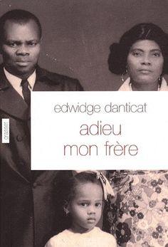 Rêvant d'Amérique, les parents d'Edwidge Danticat quittent Haïti en 1973.Edwidge, qui n'a que quatre ans, sera élevée par son oncle Joseph, pasteur que la maladie a rendu muet mais qui n'a rien perdu de sen extraordinaire charisme. Lorsqu'elle débarque à son tour à New York, quelques années plus tard, les parents qu'elle retrouve sont devenus pour elle des quasi-inconnus. Et tandis qu'ils essaient de recomposer une famille, leur parviennent les échos d'une situation politique de plus en…