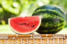 Iată 5 metode pentru a alege cea mai dulce lubeniță! Trucuri ca să știți dacă un pepene roșu e dulce fără să-l tăiați. Producatorii nu prea vor să ni le spună: Cardiovascular Health, Watermelon, Mai