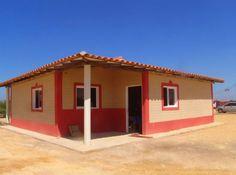 El proyecto muestra la forma de construir con tierra muros de tapia, de bahareque o de adobe, recogiendo los métodos habituales de construcción popular mediante los materiales disponibles en cualquier lugar de Venezuela.