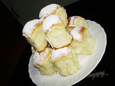 České buchty   Bonviváni Czech Recipes, Russian Recipes, Snack Recipes, Cooking Recipes, European Cuisine, Good Food, Yummy Food, Bread And Pastries, Desert Recipes