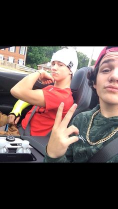Taylor Caniff and Aaron Carpenter. Literally everything about this picture is perfection.