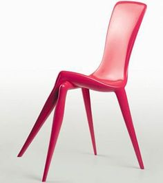 Chaise jambes croisées : une chaise ultra sexy