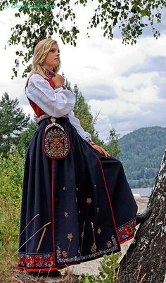Flickr Costumes Around The World, Medieval Dress, Ethnic Style, People Of The World, Ethnic Fashion, Oslo, Traditional Dresses, Dress Ideas, Norway
